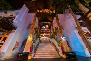 Xishuangbanna Baoyu Resort Hot..