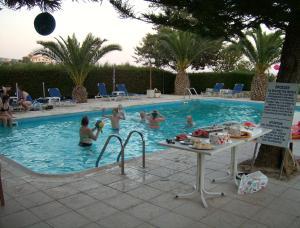 Rantzo Holiday Apartments