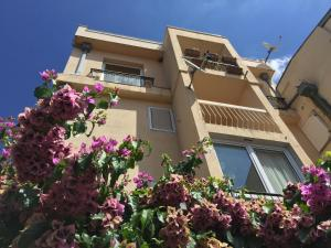 Regent Apartment
