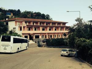 Dinana Hotel