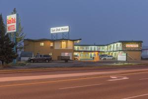 Sun Dek Motel