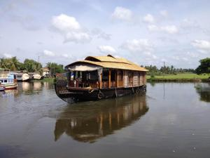 Butterfly Cruise HouseBoats