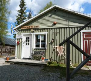 Bungalov Skabram Turism Gårdsmejeri Jokkmokk Švédsko