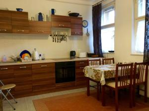 Koren family Apartment, Apartments  Budapest - big - 13