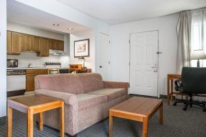Suburban Extended Stay Hotel Columbia, Szállodák  Columbia - big - 11
