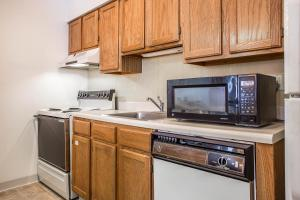 Suburban Extended Stay Hotel Columbia, Hotely  Columbia - big - 24