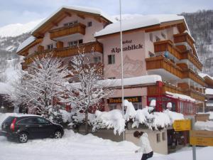 Alpenblick Wellnesshotel - Hotel - Fiesch