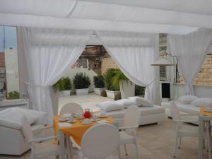 Palazzo Antica Via Appia, Отели типа «постель и завтрак»  Bitonto - big - 30