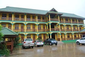 Surasak Hotel