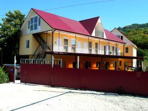 Gostevoy dom Vishnevyy