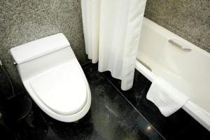 Majestic Suites Hotel, Hotely  Bangkok - big - 3