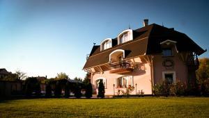 Muschel Panzió, Guest houses  Keszthely - big - 1