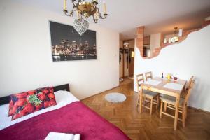 Apartamenty Varsovie Rondo ONZ, Ferienwohnungen  Warschau - big - 19