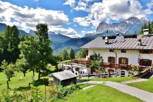 Baita Fraina - Accommodation - Cortina d`Ampezzo