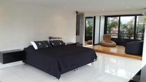 Modern Luxurious 2 Bedroom Penthouse in Poblado with Jacuzzi