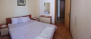 Gjole Apartments, Apartmány  Lagadin - big - 5