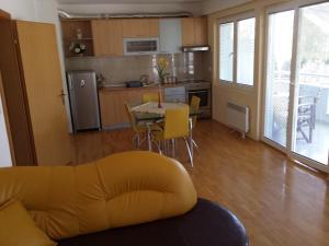 Gjole Apartments, Apartmány  Lagadin - big - 9