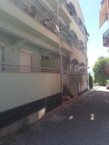 Gjole Apartments, Apartmány  Lagadin - big - 30