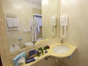 Deluxe Double or Twin Room with Valley View Giotto Hotel & Spa