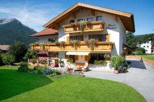 Gästehaus Wanker, Guest houses  Ehrwald - big - 1