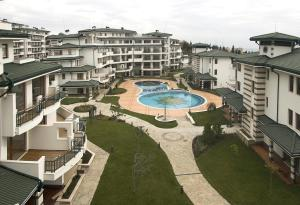 Emerald DH Property, Апартаменты  Равда - big - 49