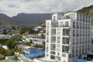 Cape Town Life - 8 Harbour Terraces
