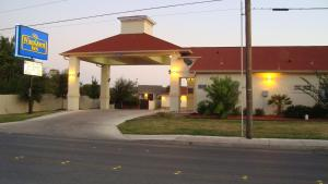 Winnquest Inn Near Ft. Sam Houston