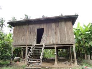 Nuoeng Kim Sreang Homestay at Trong Island