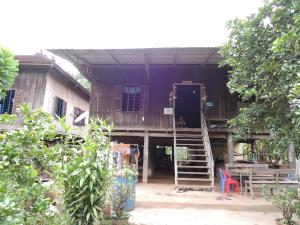 Uch Nuoen Homestay at Trong Island