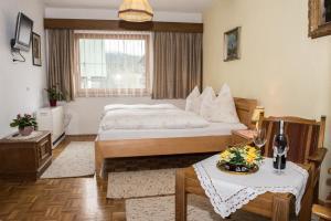 Kreuzhof, Bed and breakfasts  Seefeld in Tirol - big - 20