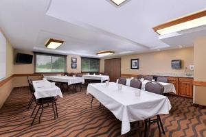 AmericInn Lodge and Suites - Saint Cloud, Szállodák  Saint Cloud - big - 25