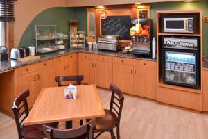AmericInn Lodge and Suites - Saint Cloud, Szállodák  Saint Cloud - big - 32