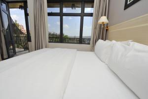 Кигали - Gloria Hotel