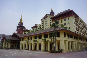 Xishuangbanna Shibao Business Hotel