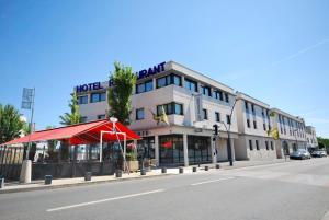 Hotel De Loire et Restaurant Les Bateliers
