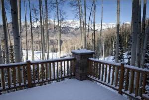 Snowdrift Cabin