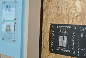 Alcobaça Hostel, Гостевые дома  Алкобаса - big - 23