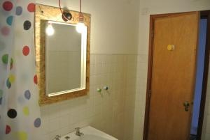 Alcobaça Hostel, Гостевые дома  Алкобаса - big - 16