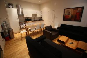 Stukely Street Apartment