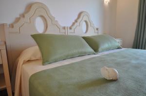 Camera Matrimoniale/Doppia con Letti Singoli con Giardino e Vista Piscina