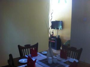 Relax Inn, Проживание в семье  Канди - big - 6
