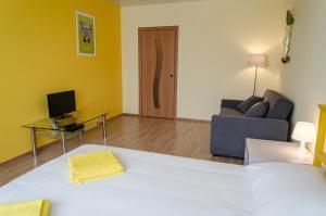 Апартаменты Yellow Rooms на Подмосковном бульваре - фото 6