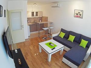 Apartment 18 - фото 24