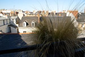 18 Crebillon, Apartmanok  Nantes - big - 40