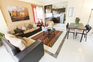 Luxury VIP Condo at Parque Mirador