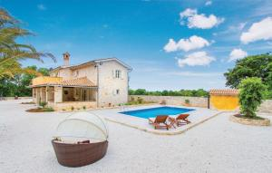 Holiday home Cukrici 45 with Outdoor Swimmingpool