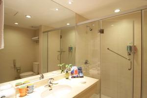Hangzhou Huachen Holiday Hotel Reviews