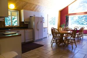 Apex Whitetail Chalet, Apartmány  Apex Mountain - big - 32