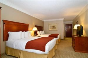 Nearby hotel : Best Western Plus Madisonville Inn