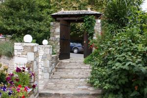 Guesthouse Kalosorisma, Penziony  Tsagarada - big - 22
